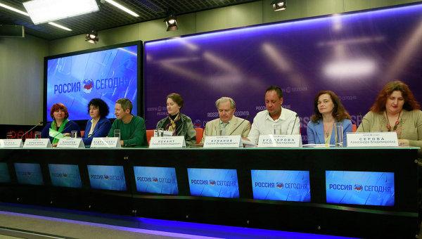 Круглый стол на тему Русский как язык-посредник межкультурного диалога стран СНГ. 18 мая 2015