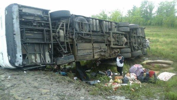 На месте ДТП с участием междугороднего автобуса в Волгоградской области. Архивное фото