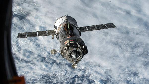Фотография космического корабля Союз ТМА с борта МКС, архивное фото