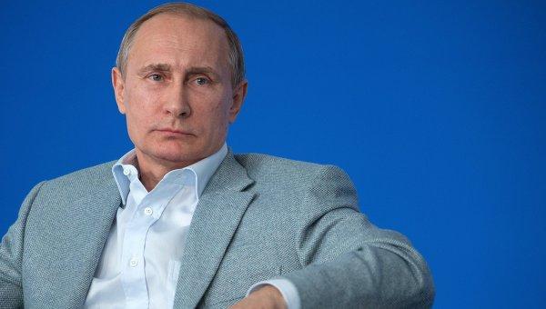 Президент России Владимир Путин во время встречи с участниками смены Молодые учёные и преподаватели в области IT-технологий