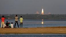 Запуск ракеты-носителя с индийским навигационным спутником IRNSS-1D с космодрома на острове Шрихарикота. Архивное фото