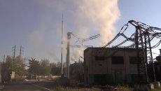 Артобстрел вызвал пожар на электростанции в Горловке. Кадры с места ЧП
