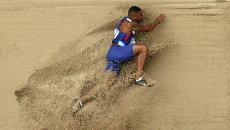 Британский спортсмен Дэниел Брамбл во время соревнований по прыжкам в длину на ЧМ по легкой атлетике в Пекине, Китай