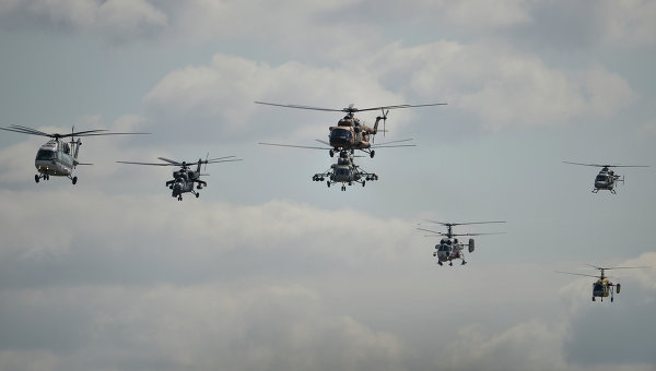 Пилотажная группа АО Вертолеты России. Архивное фото