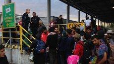 Беженцы на границе Австрии и Венгрии. Архивное фото