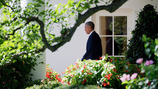 Президент США Барак Обама возле Белого дома, Вашингтон