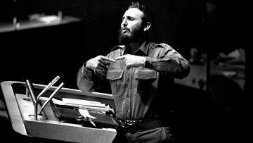 Фидель Кастро во время выступления на Генеральной Ассамблее ООН
