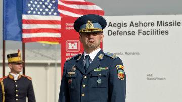 Румынский офицер на территории военной базы в Девселу. Архивное фото