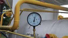Манометр на объекте высокогорной газокомпрессорной станции на Украине. Архивное фото