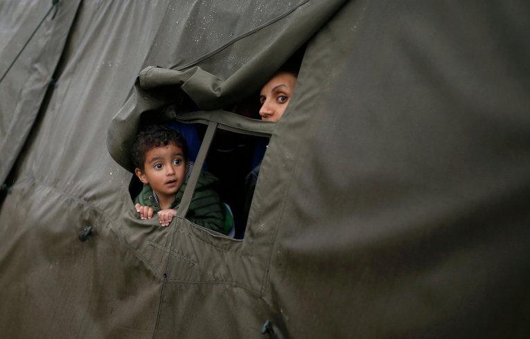 Мигранты в палаточном лагере в Хорватии
