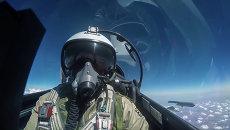 Пилот ВКС РФ во время боевого вылета в Сирии. Архивное фото