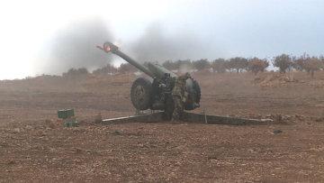Солдаты сирийской армии ударили по боевикам из Градов и пушек. Кадры боя