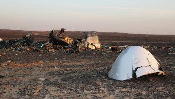 На месте крушения самолета Airbus A321 авиакомпании Когалымавиа в Египте