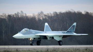 Многоцелевой истребитель пятого поколения Т-50 в подмосковном Жуковском. Архивное фото.