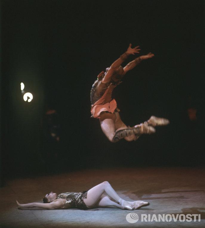 Майя Плисецкая и Марис Лиепа. Сцена из балета Спартак