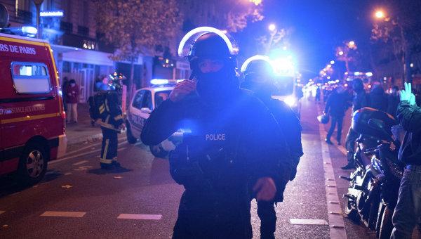 Полиция у театра Батаклан в Париже. Архивное фото