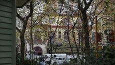 Театр Батаклан в Париже, где произошел один из серии терактов. Архивное фото