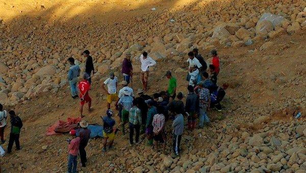 Оползень в Мьянме. 22 ноября 2015