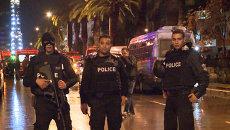 Полиция оцепила место взрыва автобуса с охраной президента Туниса