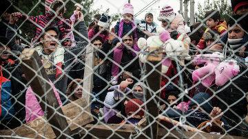 Мигранты протестуют против ограничений на греко-македонской границе