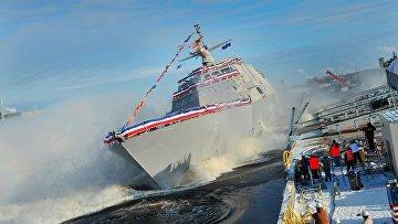 Спуск на воду американского боевого корабля Milwaukee, архивное фото