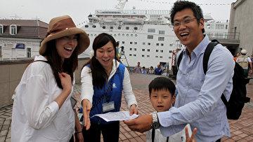 Трансокеанский круизный лайнер Мечта океана прибыл во Владивосток