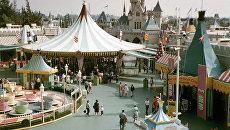 Парк Диснейленд - семейный развлекательный комплекс в Америке. Архивное фото