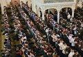 Утренняя коллективная молитва в День Рождения пророка Мухаммеда в центральной мечети имени Ахмата Кадырова в Грозном