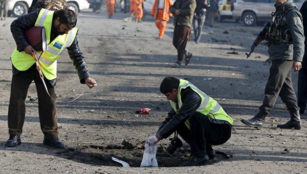 На месте взрыва возле аэропорта Кабула