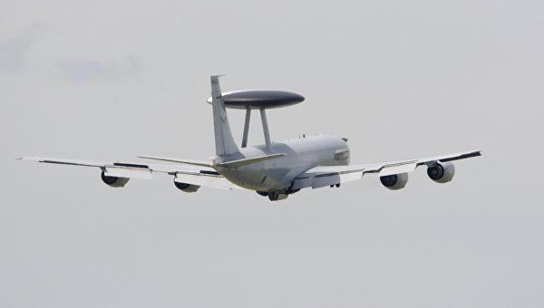 Самолет Boeing E-3 Sentry AWACS. Архивное фото