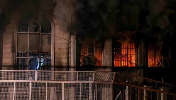 Пожар в посольстве Саудовской Аравии в Тегеране. Архивное фото