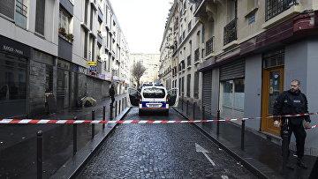 Полицейское оцепление в Париже после нападения на комиссариат 18 округа, 7 января 2016