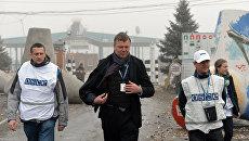 Зампредседателя специальной мониторинговой миссии ОБСЕ на Украине Александр Хуг. Архивное фото