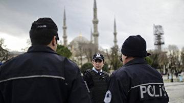 Сотрудники полиции Турции в Стамбуле