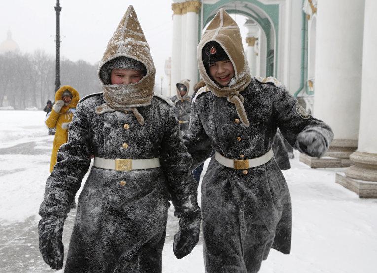 Ученики кадетских классов ВМФ в Санкт-Петербурге