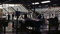 Контроль качества на конвейере завода АвтоВАЗ в городе Тольятти. Архивное фото