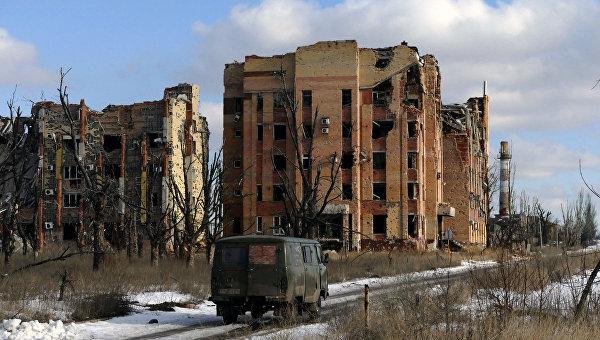 Разрушенные здания в Донецке. Архивное фото