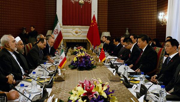 Председатель КНР Си Цзиньпин на встрече с президентом Ирана Хасаном Роухани, 23 января 2016