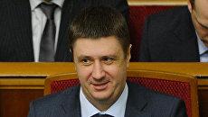 Вице-премьер-министр - министр культуры Украины Вячеслав Кириленко (справа). Архивное фото