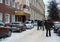 Журналисты перед зданием Центрального суда города Тулы, где рассматривается дело об усыновлении годовалого Матвея, обгоревшего в тульском роддом