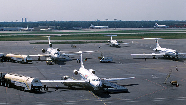 Самолеты в аэропорту. Архивное фото