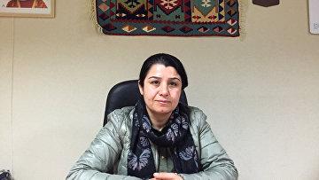 Несрин Абдулла в Курдском культурном центре Парижа