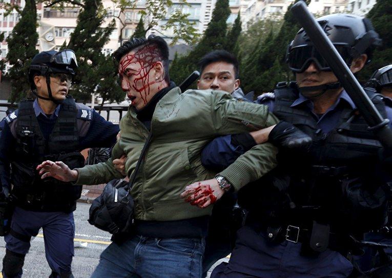 Столкновения полиции и демонстрантов в Гонконге, 9 февраля 2016