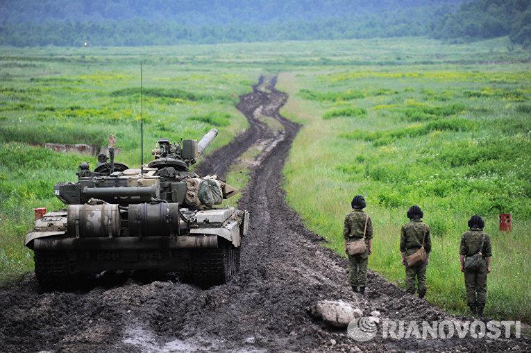 Экипаж танка Т-90