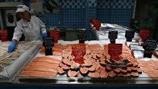 Рыбный отдел гипермаркета. Архивное фото