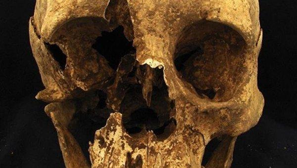 Череп древнеримского мигранта из Альп, найденный в одном из некрополей Рима