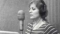 Анна Герман в звукозаписывающей студии фирмы Мелодия