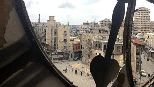 Вид на исторический центр в Алеппо с Часовой башни. Архивное фото