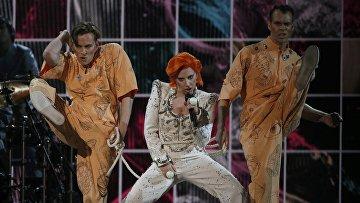 Леди Гага во время 58-й премии Грэмми в Лос-Анджелесе