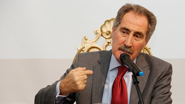 Турецкий политик Эртугрул Гюнай